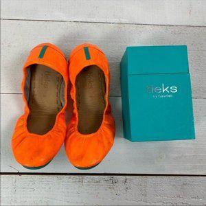 Limited Edition Outrageous Orange Tieks Size 8